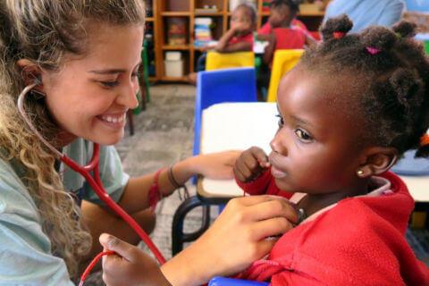 Voluntários médicos – Promoção de saúde