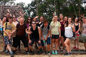 Group picture of Volunteers in our Thailand Voluntour