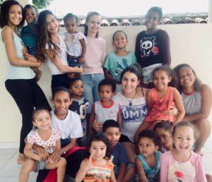 International volunteers with the children