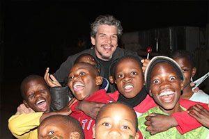 Felipe com os voluntários na África do Sul