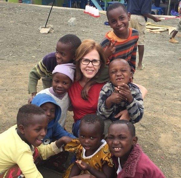 Nadir Oliveira aworking as a childcare volunteer in Arusha