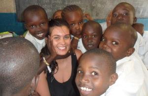 Voluntário com ensino no Quênia