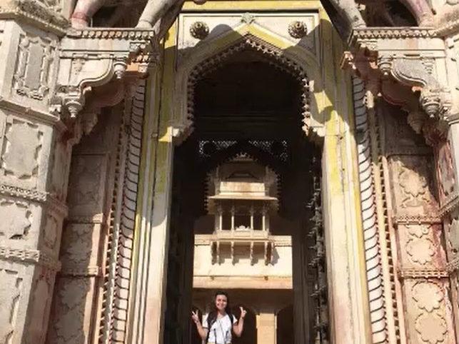 Lea visit the Elephant Temple