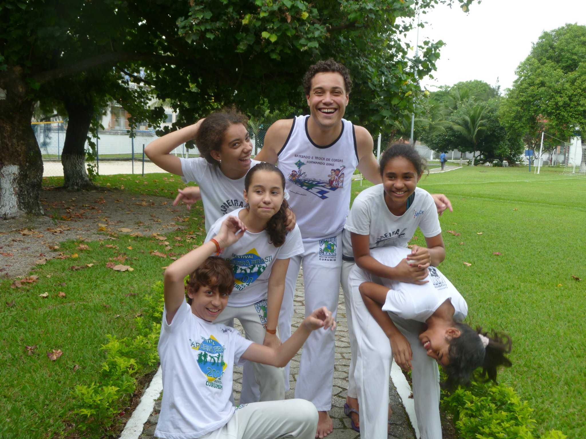 Volunteer with youngsters in a Capoeira project in Rio de Janeiro