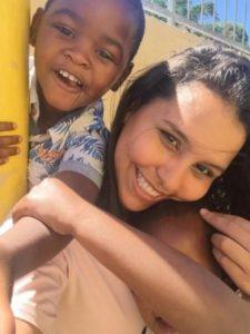 Ensinando crianças na creche de Doreen: Isabella Neves