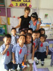 Albane im Kindergarten im peruanischen Amazonasgebiet