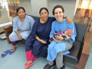 Rita Gomes da Silva an der Kinderklinik in Nepal
