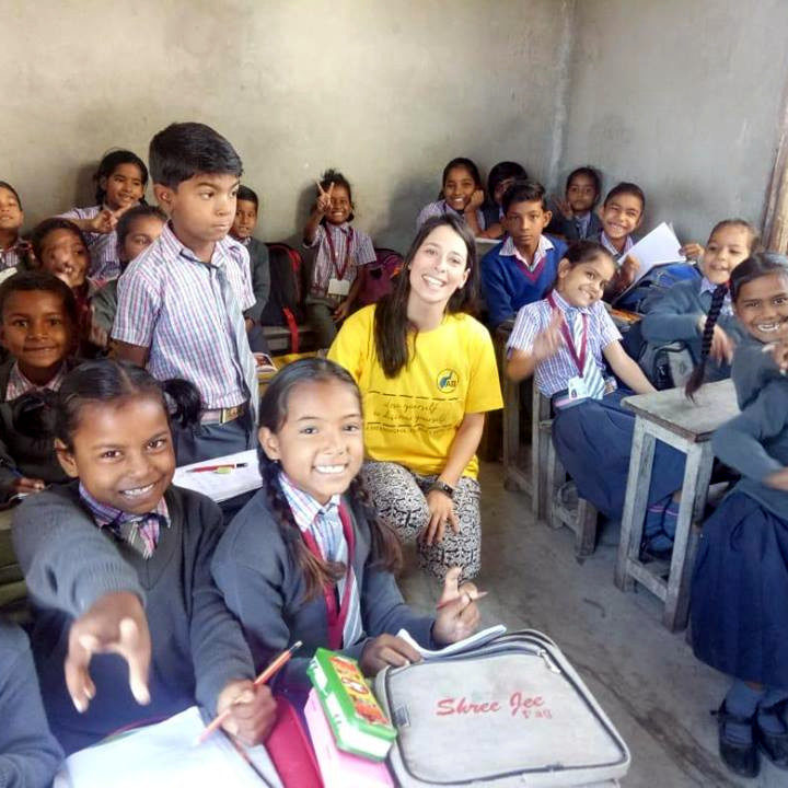 Patricia Oliveira & Rui Falhas Santos Teaching at school in India
