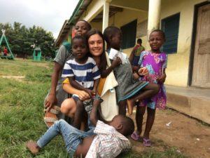 Beatriz -ensinando em Gana e se sentindo em casa