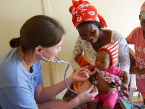 Medical Volunteers in Namibia helping children at the Medical Clinic program