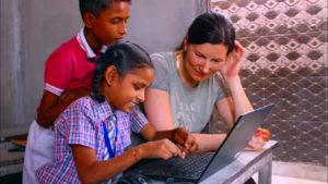 Karen Freiwilligenarbeit in Indien mit der Familie
